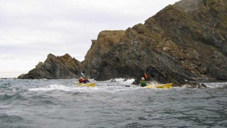 La navigation côtière, le plaisir du kayakiste