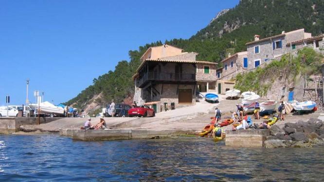 Arrivée dans le charmant petit port de Valldemossa