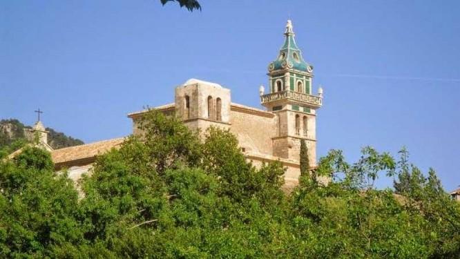 La Chartreuse de Valldemossa et son unique clocher vert