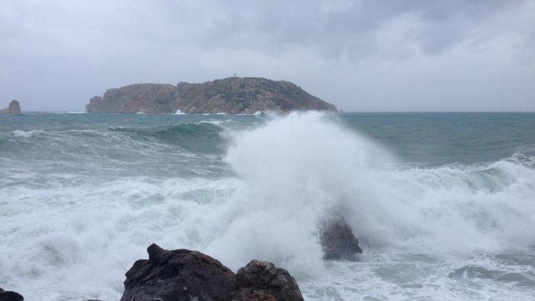 Parfois Poséidon éternue, les îles Medes résistent