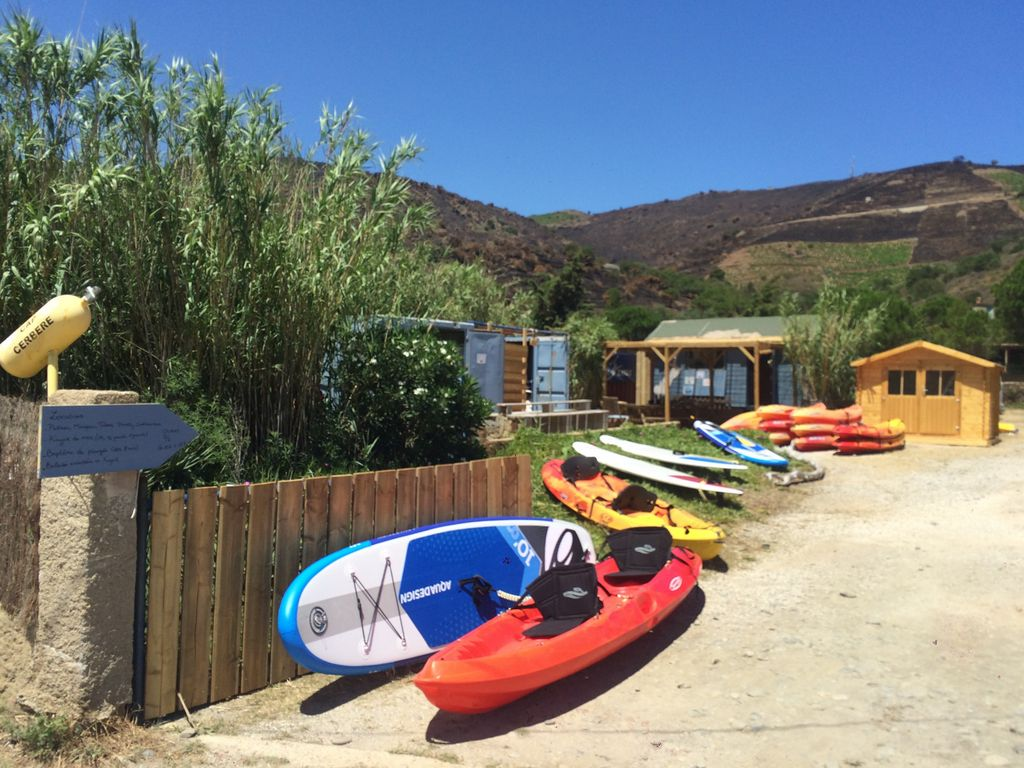 Base nautique Vermeille Kayak, ses Stand up Paddles et kayaks en location