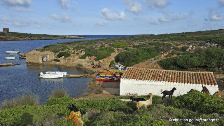 Port de Sanitja, Cap Cavalleria sur la cote Nord de Minorque, archipel des Baleares, Espagne, Europe //Sanitja harbour, Cape Cavalleria on the North Coast of Menorca, Balearic Islands, Spain, Europe