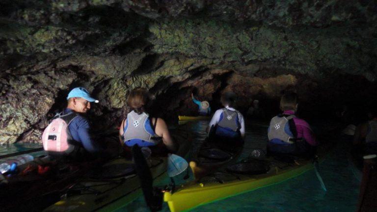 Visite d'une jolie grotte, moment convivial